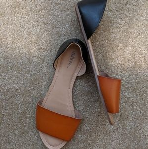 Merona 6.5W Cognac and Black Two Piece Flats